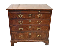 WCH-875z: 18th Century George II Bachelor's Chest of Drawers