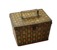 WB-1293z: Picnic Hamper with Folding Handle Biscuit Tin